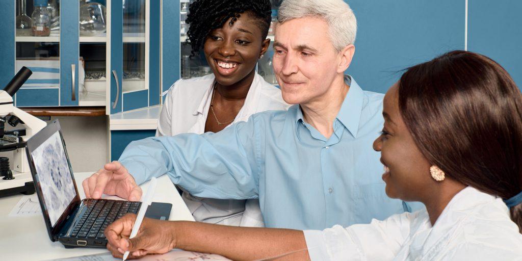 医師 事務 作業 補助 者 資格